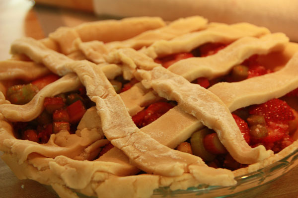 Delicious strawberry and rhubarb pie