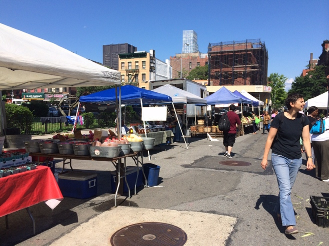Farmers market on street