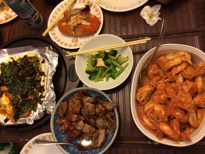 Chili crab, vegetables, salmon and roast duck dinner