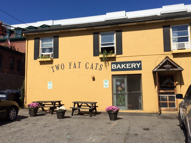 Two fat cats bakery