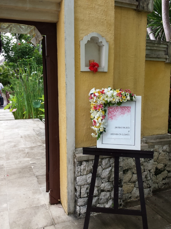 Entrance with wedding sign
