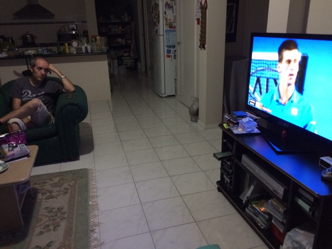 Man watching final of Australian open